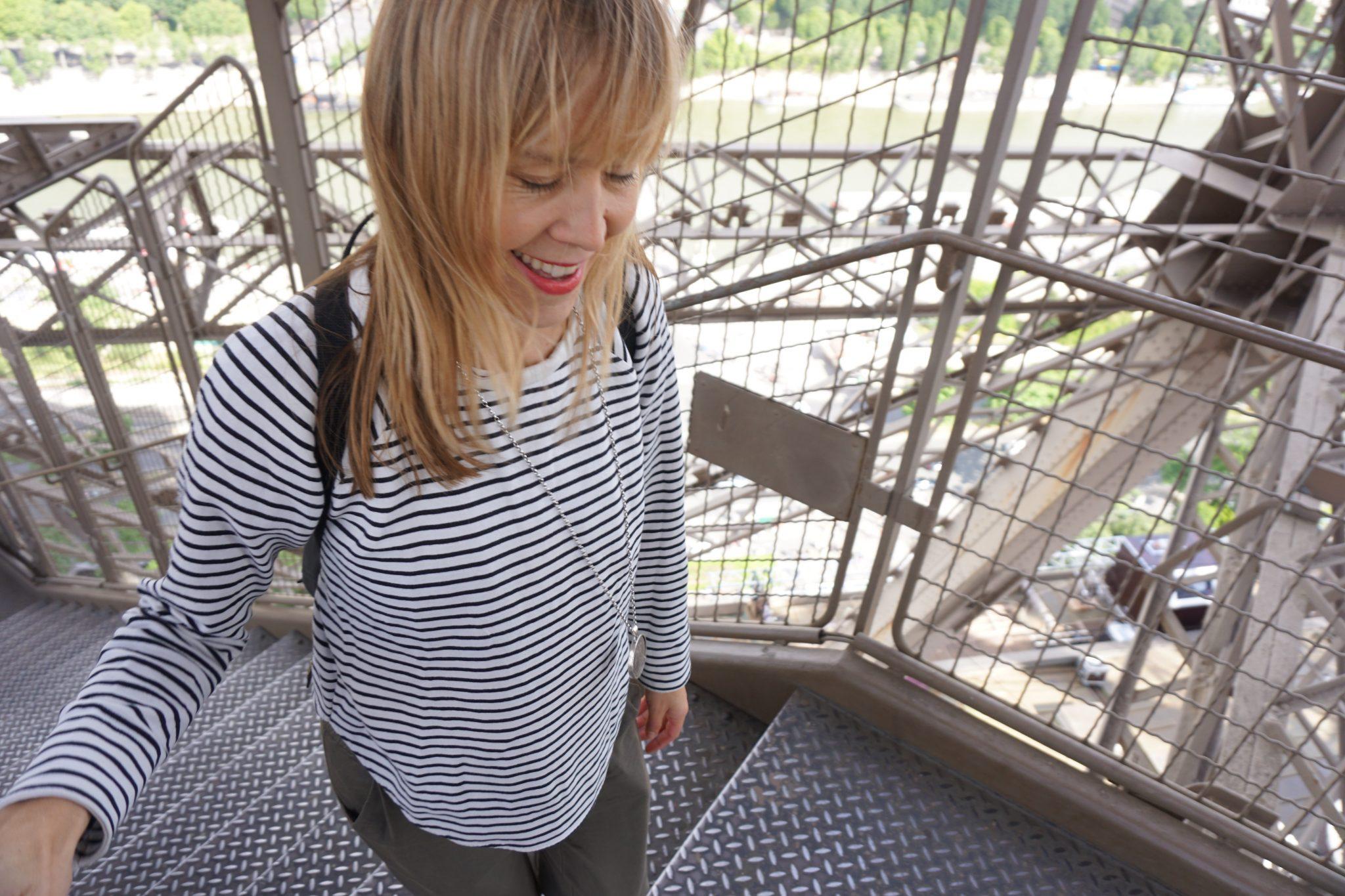 Angst überwinden auf dem Weg auf den Eiffelturm
